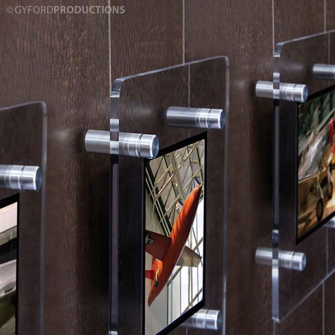 WS 3 Photos Behind Plexy