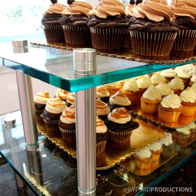StandOff Cupcake Display